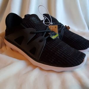 Champion Poise 3 Speedknit Shoes Size 9